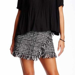 Romeo and Juliet Houndstooth Wrap Skirt Sz L